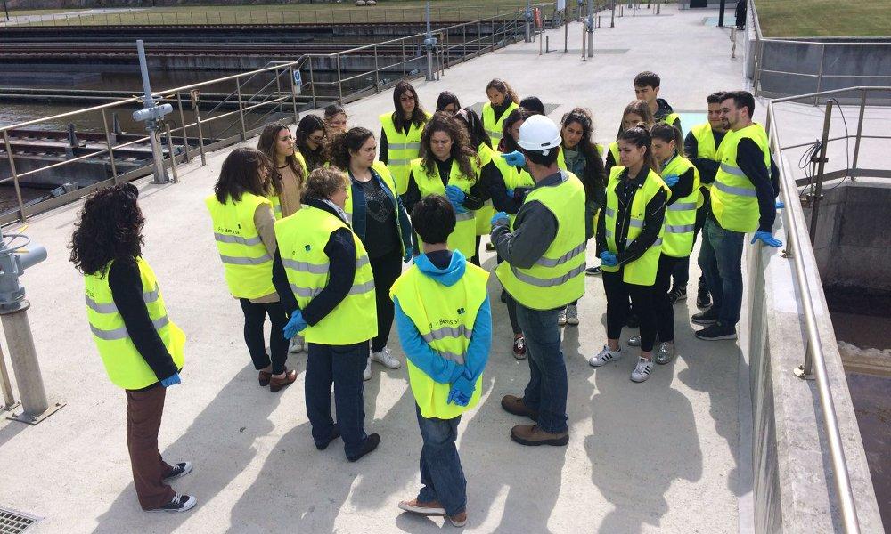 Alumnos de podologia de Ferrol visitan la planta